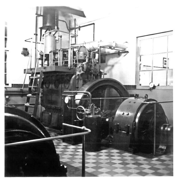 3 cyl. motor på Vrå Elværk
