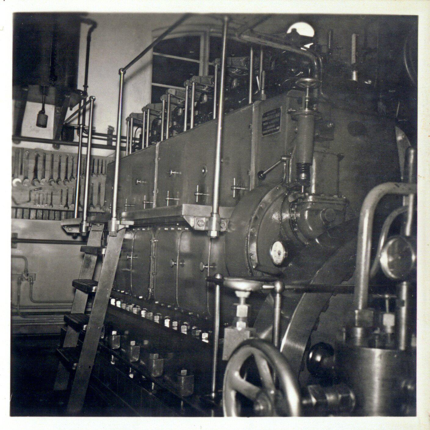 6 cyl. motor på Vrå Elværk